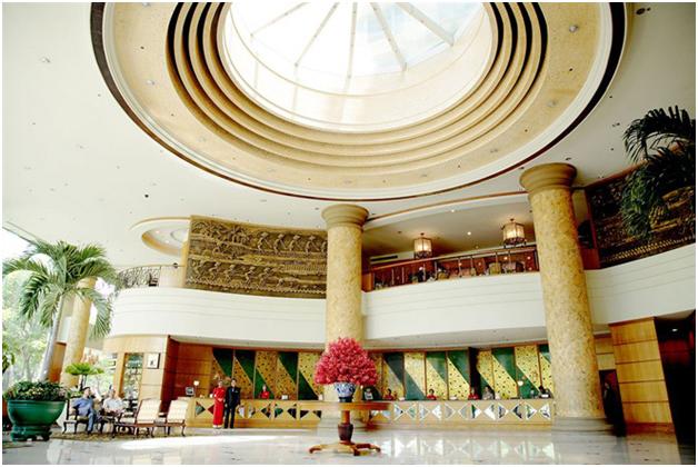 Thi công nội thất sảnh khách sạn