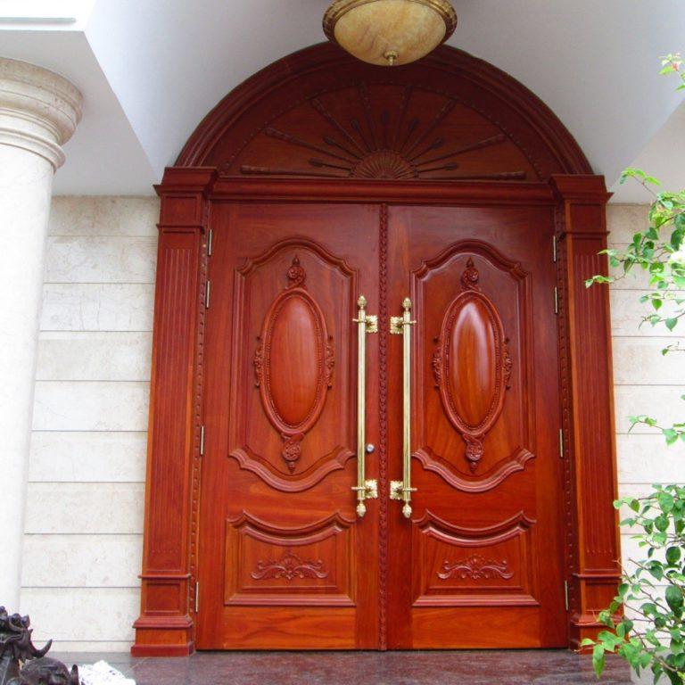Thiết kế nội thất- cửa gỗ 2 cánh lớn