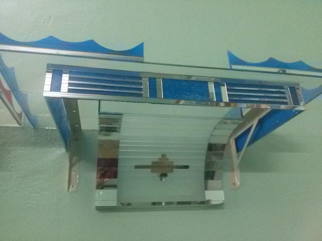 Thiết kế nội thất- bàn thờ bằng kính